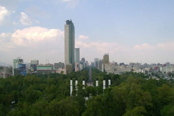 https://commons.wikimedia.org/wiki/File:Paseo_de_la_Reforma_M%C3%A9xico.JPG
