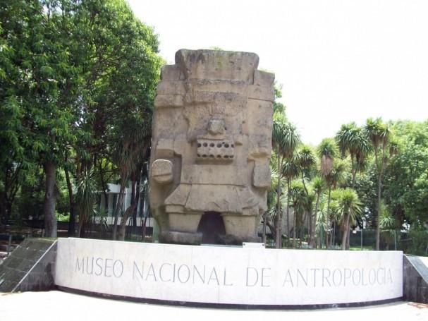 https://commons.wikimedia.org/wiki/File:Tlaloc_Museo_Nacional_de_Antropolog%C3%ADa.jpg